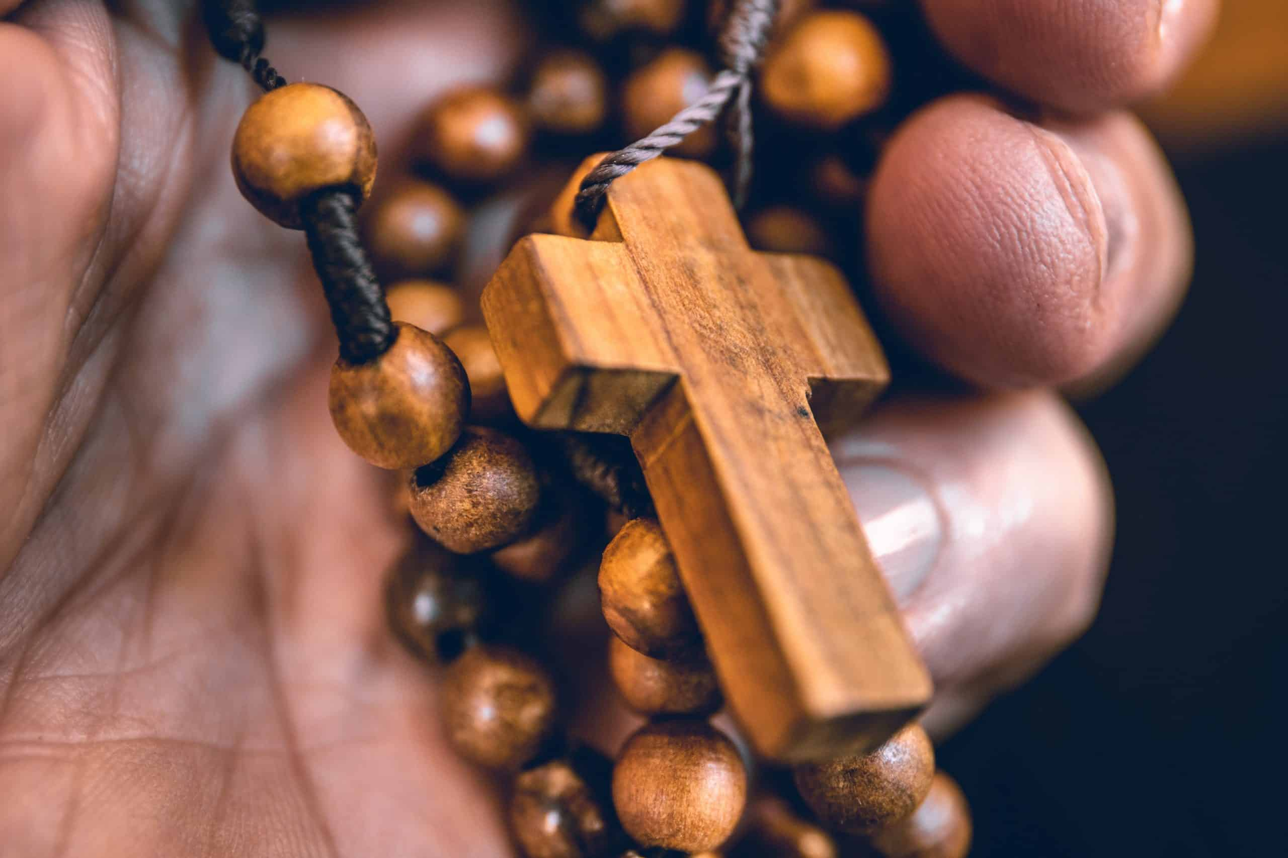 To Jesus Through Mary: How to Meditate with the Rosary